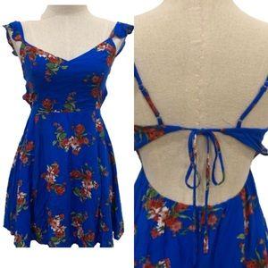 Lulu's blue floral Vneck spring dress